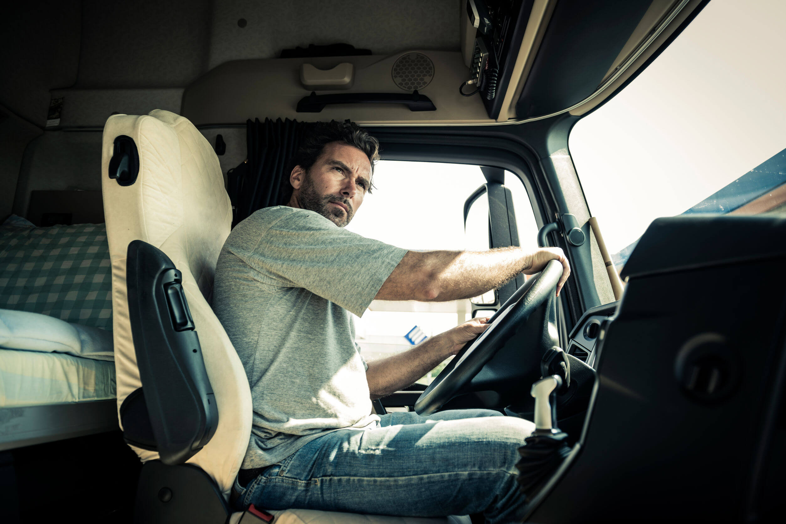 finding lease purchase trucking jobs